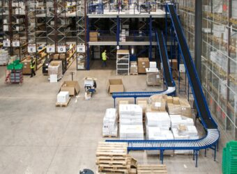 Warehouse Conveyor Systems - Oracle Storage